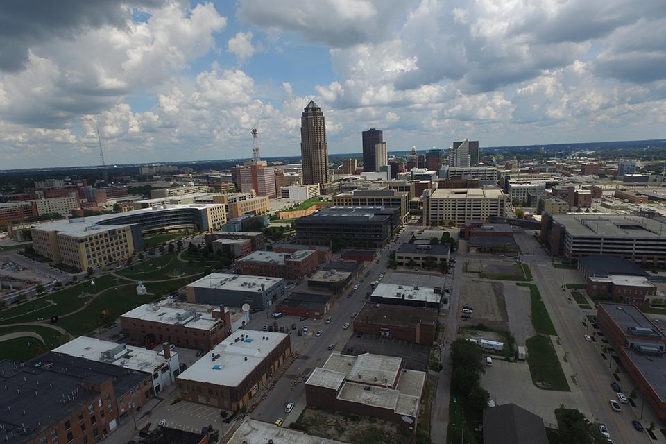 downtown Des Moines from above - small - cropped.jpg