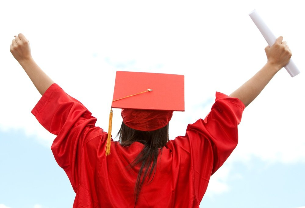 Governor Branstad signs bill expanding pathways for high school equivalency diploma